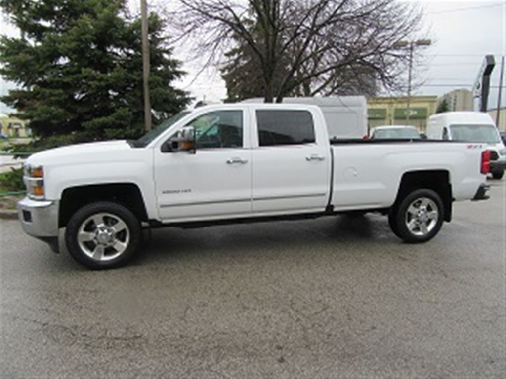 used 2016 chevrolet silverado 2500hd ltz crew cab 4x4 gas long box loaded for sale in richmond. Black Bedroom Furniture Sets. Home Design Ideas