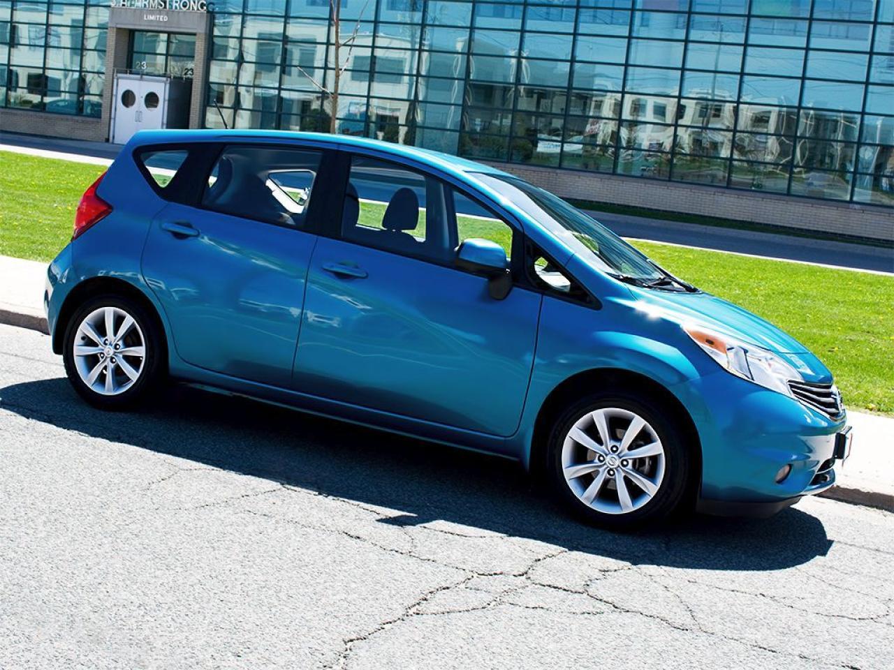 Photo of blue metallic 2014 Nissan Versa Note
