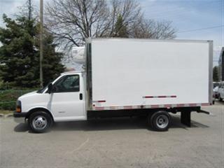 Used 2013 GMC Savana 4500 Cube Van Gas 14 foot refridgerated cube van X 3 for sale in Richmond Hill, ON