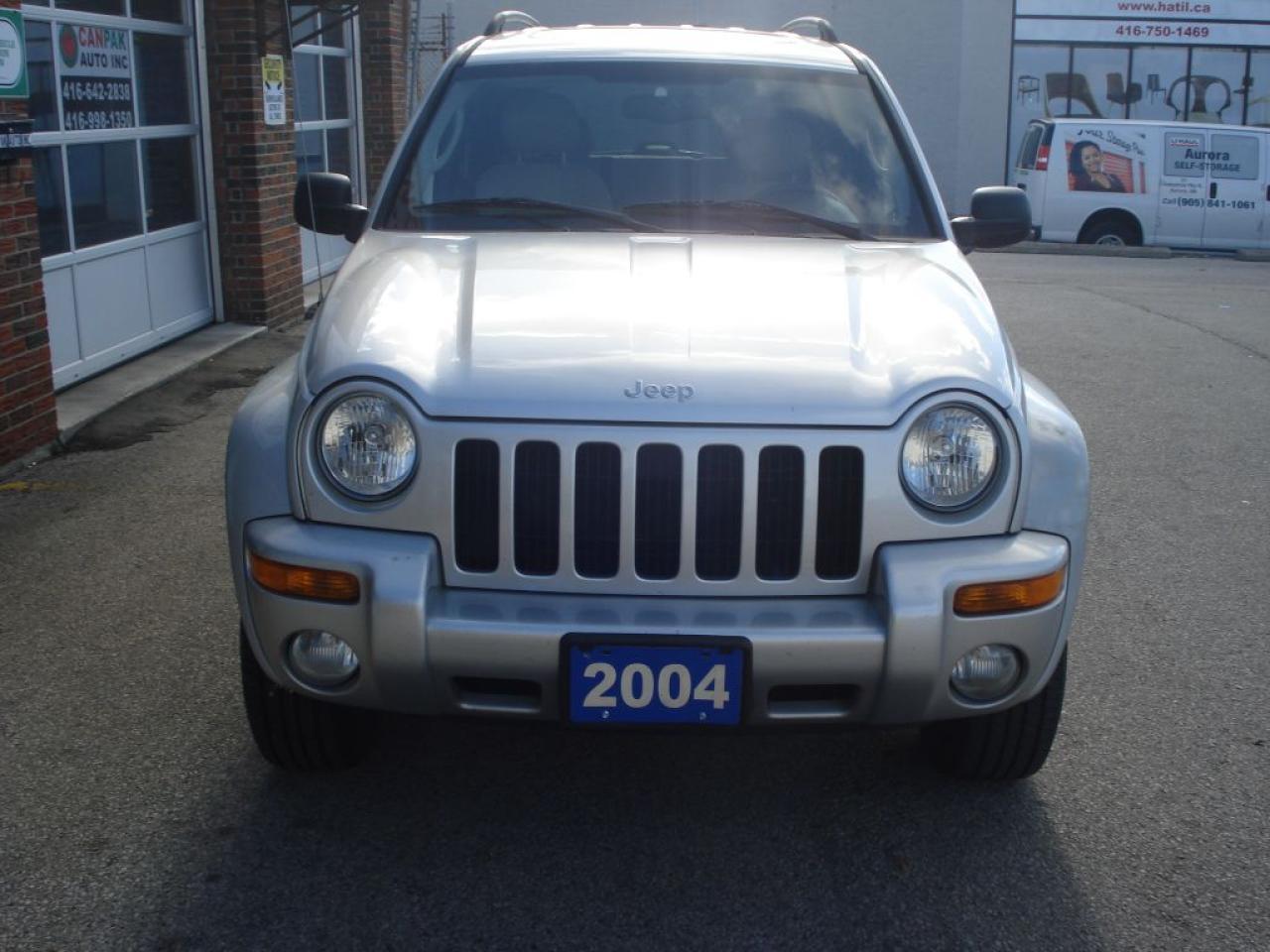 Photo of Silver 2004 Jeep Liberty