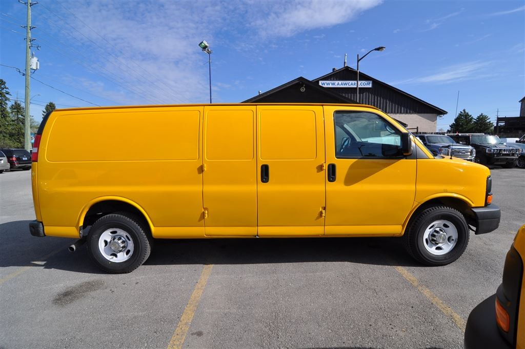 used 2012 chevrolet express 2500 extended cargo van for sale in aurora ontario. Black Bedroom Furniture Sets. Home Design Ideas