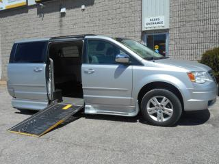 Used 2008 Chrysler Town & Country Touring-Wheelchair Accessible Side Entry for sale in London, ON