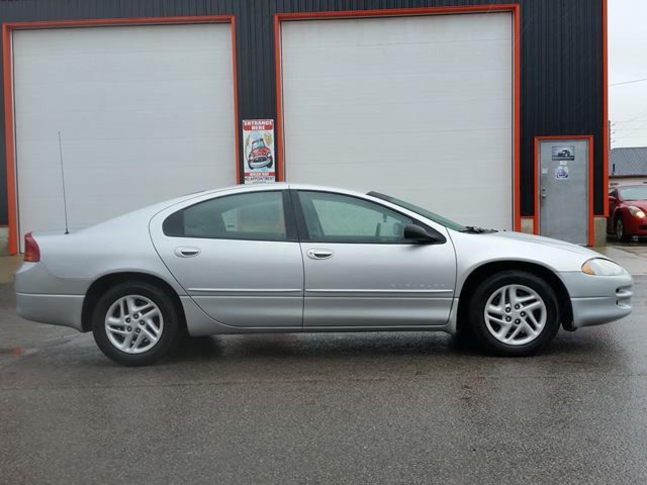 Photo of Grey 2000 Chrysler Intrepid