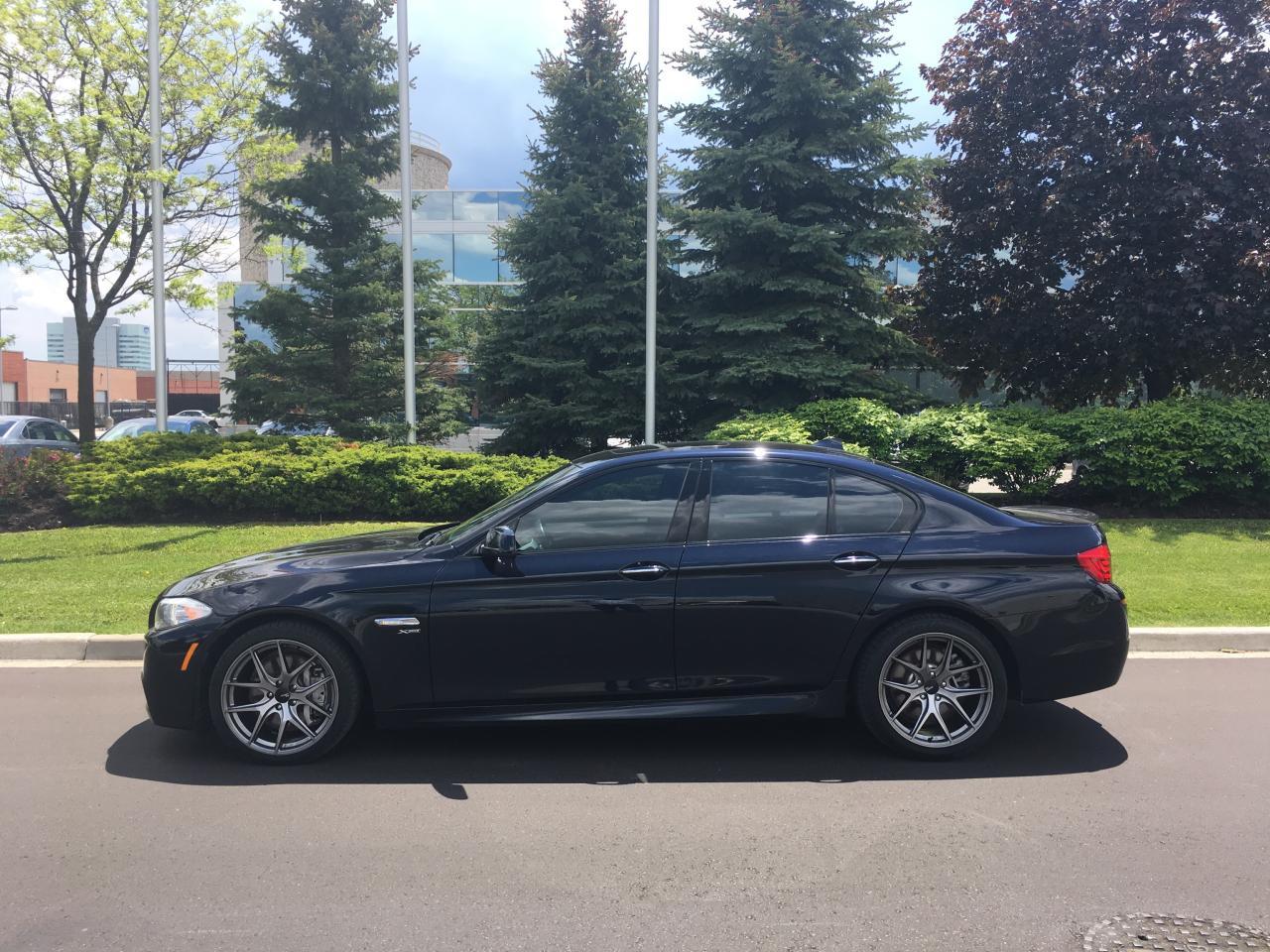 Photo of Black 2011 BMW 5 Series