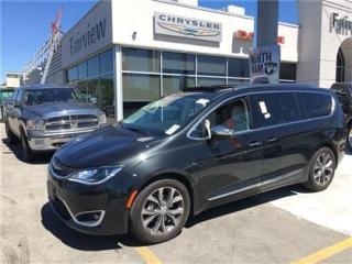 Used 2017 Chrysler Pacifica Limited.. Company Demo!! for sale in Burlington, ON