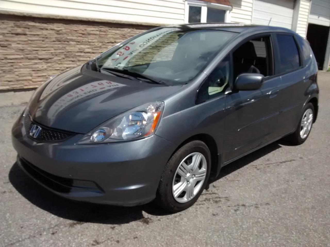 Photo of Gray 2014 Honda Fit LX