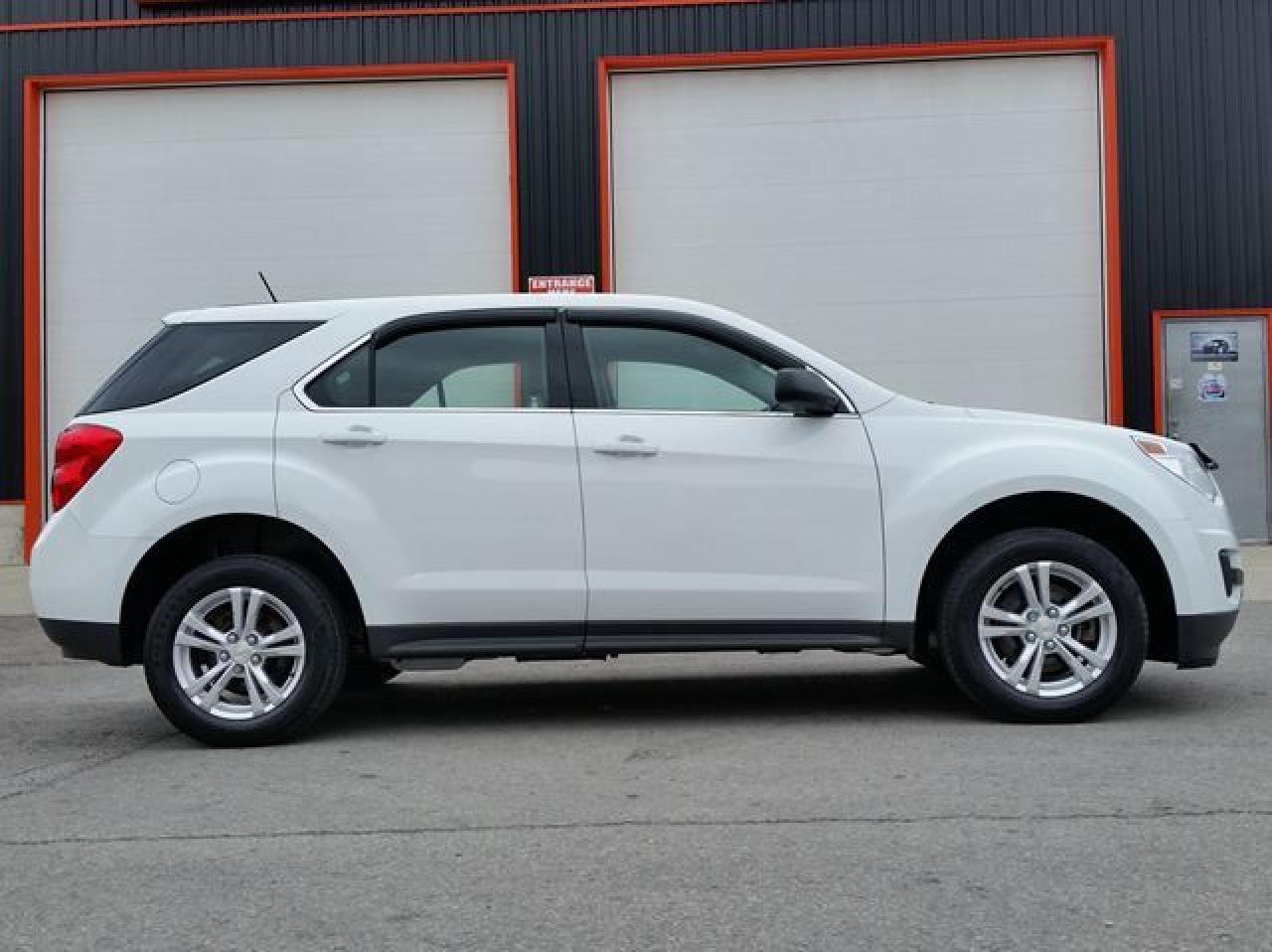 Photo of White 2013 Chevrolet Equinox