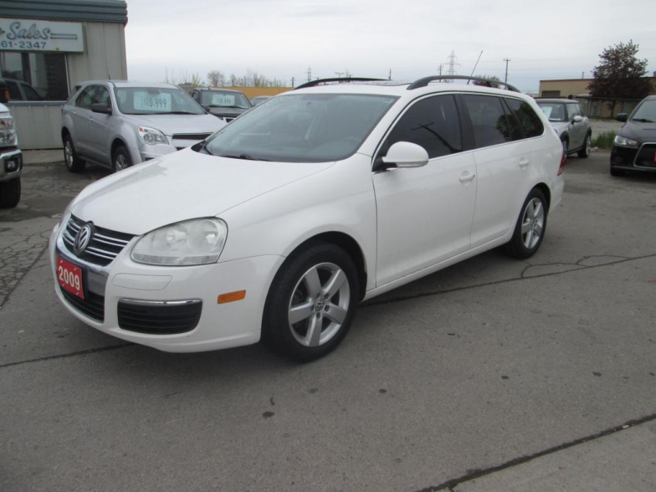 Photo of White 2009 Volkswagen Jetta Wagon