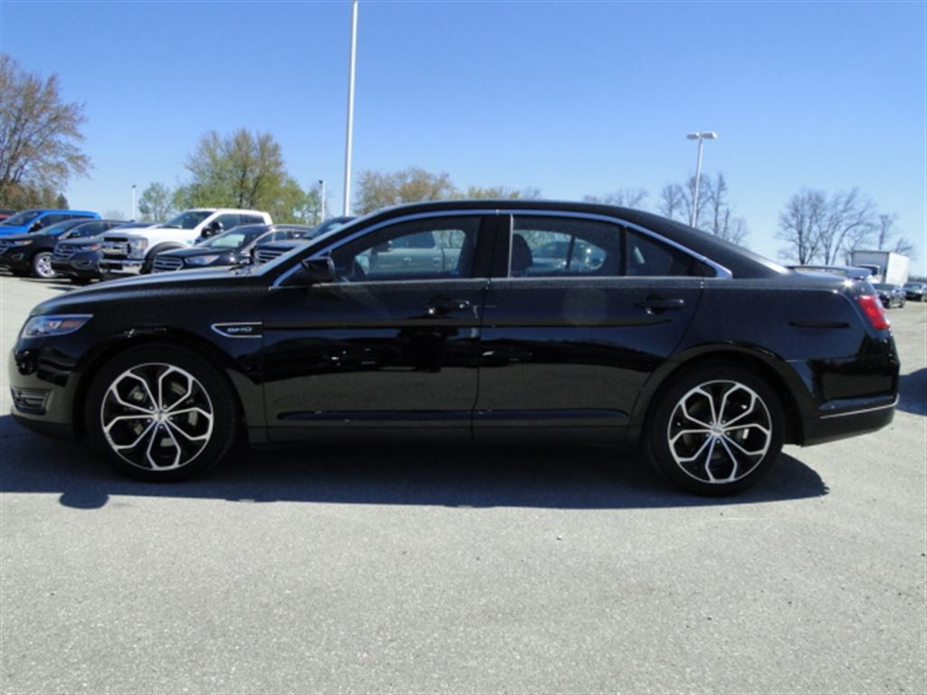 used 2016 ford taurus sho nav leather sunroof rear cam for sale in brantford ontario. Black Bedroom Furniture Sets. Home Design Ideas