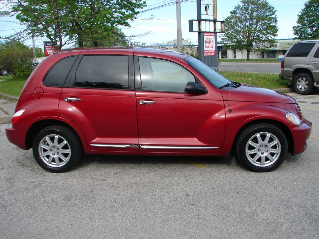 used 2010 chrysler pt cruiser classic for sale in mississauga ontario. Black Bedroom Furniture Sets. Home Design Ideas