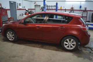 Used 2011 Mazda MAZDA3 GX for sale in Russell, ON