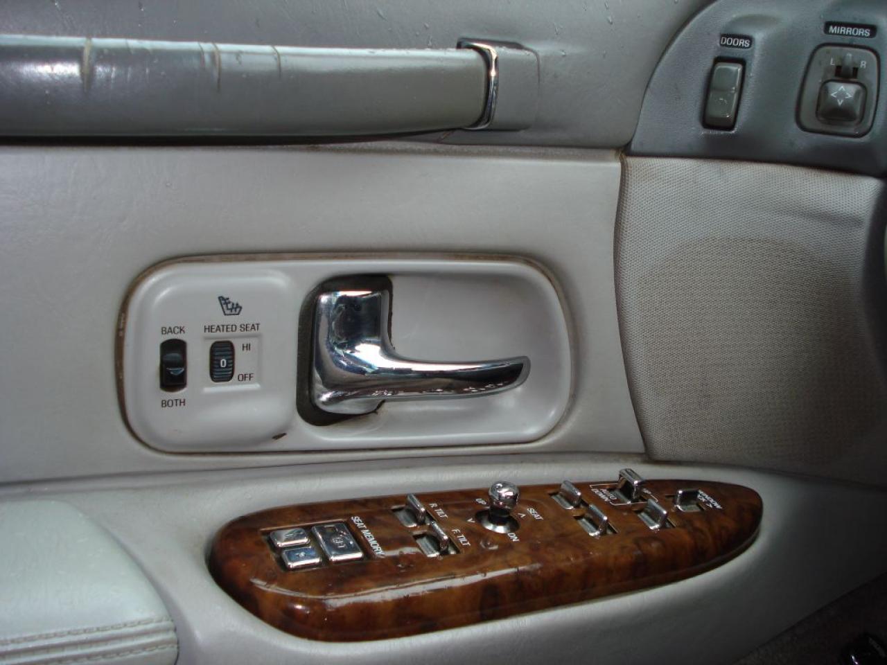 1997 Lincoln Town Car SIGNATURE