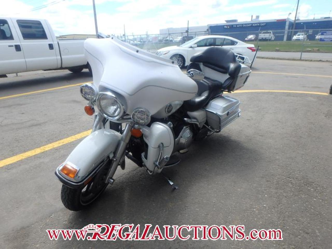 Photo of White 2007 HARLEY DAVISDSON ULTRA CLASSIC ELECTROGLIDE TOURING MOTORCYCLE