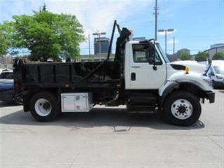 Used 2014 International Workstar7300 with  12 ft steel heated dump box for sale in Richmond Hill, ON
