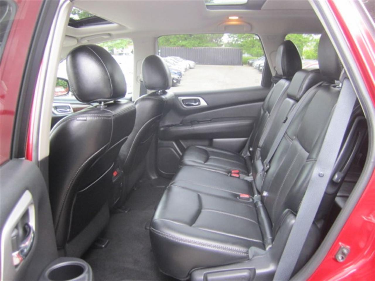 2015 Nissan Pathfinder SL Tech-Naviagtion-360 view-blind spot-
