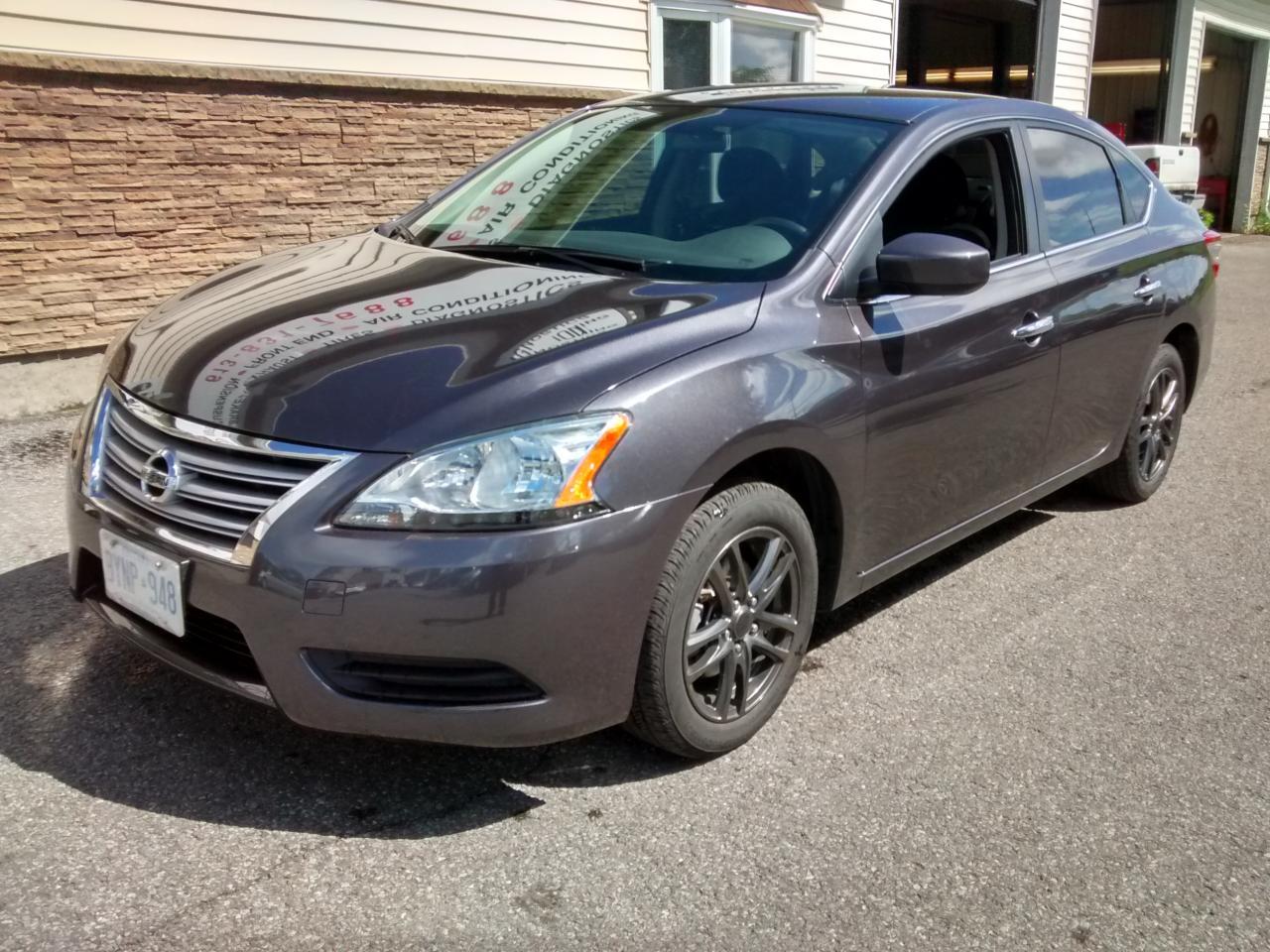 Photo of Gray 2015 Nissan Sentra