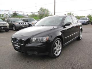 Used 2005 Volvo S40 2.4L LEATHER & SUNROOF for sale in Newmarket, ON