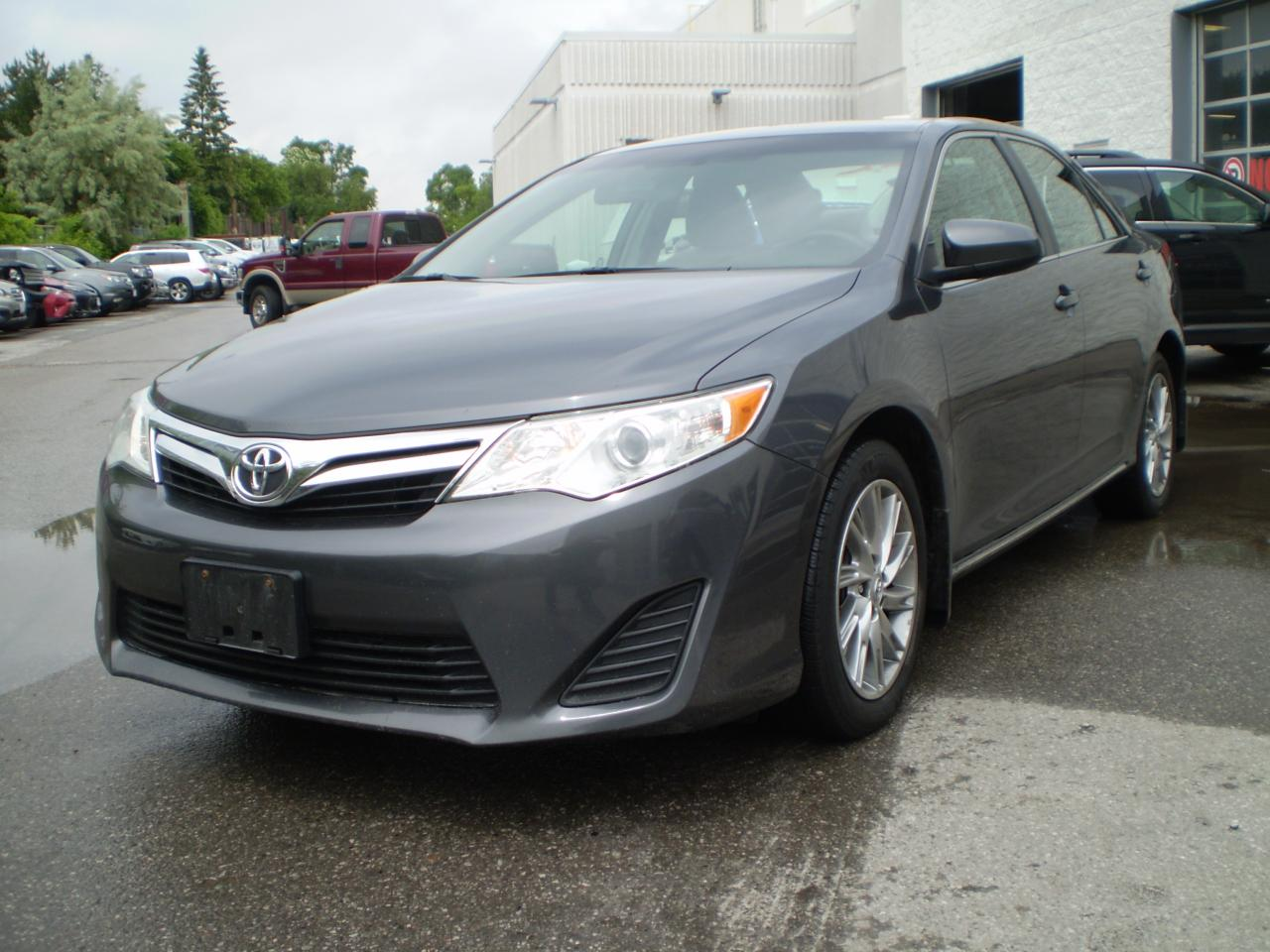 Photo of Gray 2012 Toyota Camry