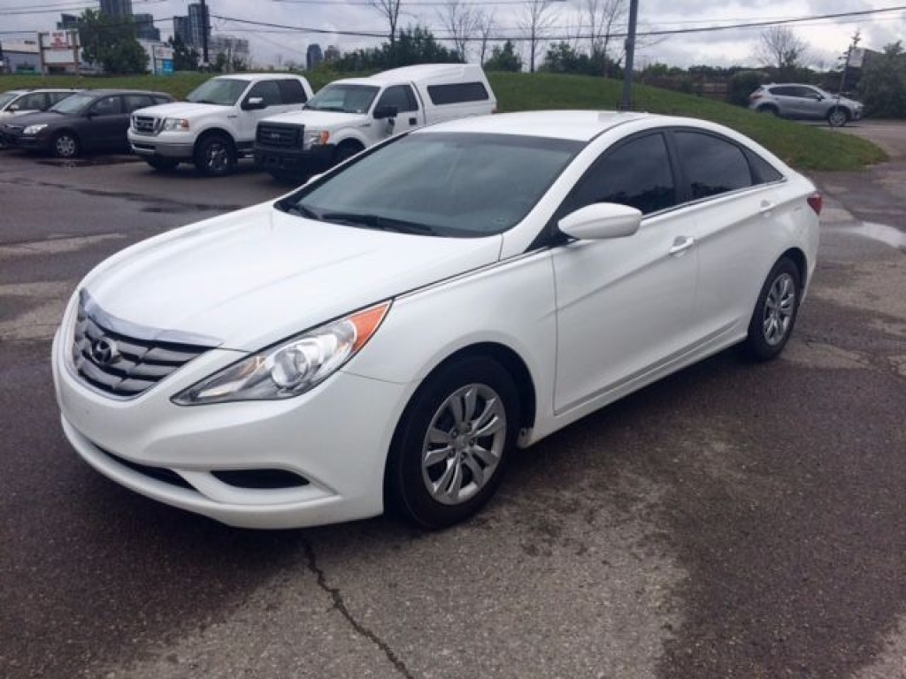 used 2011 hyundai sonata gl for sale in mississauga. Black Bedroom Furniture Sets. Home Design Ideas
