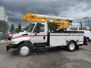Used 2007 International 4300 Altec Bucket Truck for sale in Richmond Hill, ON