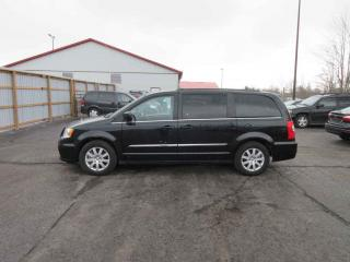 Used 2016 Chrysler Town & Country Touring FWD for sale in Cayuga, ON