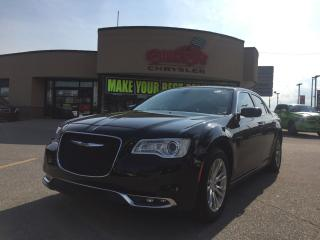 Used 2016 Chrysler 300 Touring NAVI, PANO ROOF, R-MOTE START H-TED SEATS for sale in Scarborough, ON