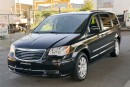 Used 2013 Chrysler Town & Country Touring Loaded Dual Rear DVD! Coquitlam for sale in Langley, BC