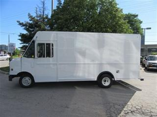 Used 2007 Ford E450 Utilimaster Grumman style 14ft gas stepvan for sale in Richmond Hill, ON