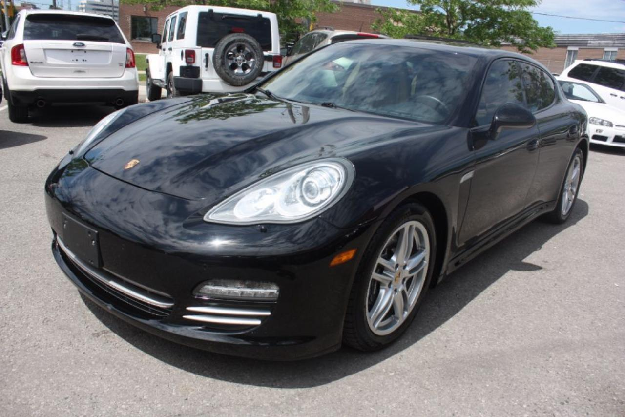 Photo of Black 2013 Porsche Panamera