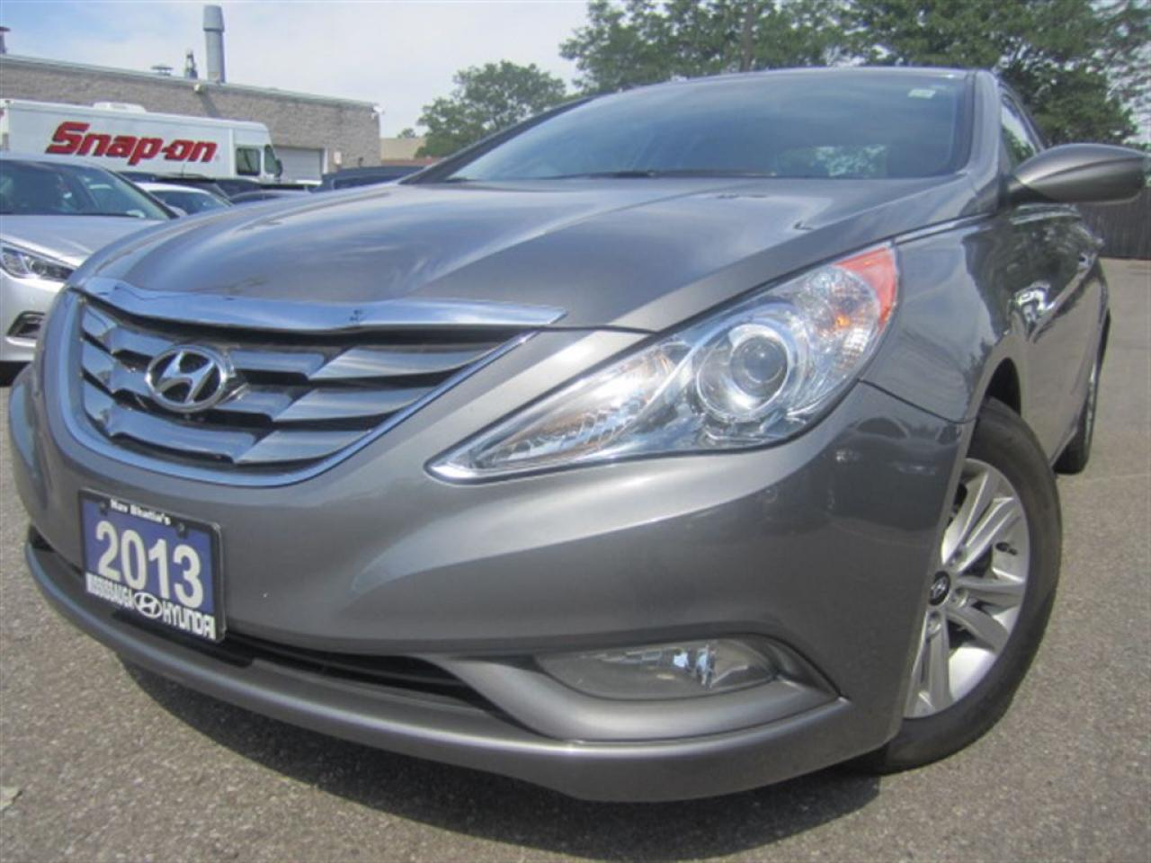 Photo of Grey 2013 Hyundai Sonata