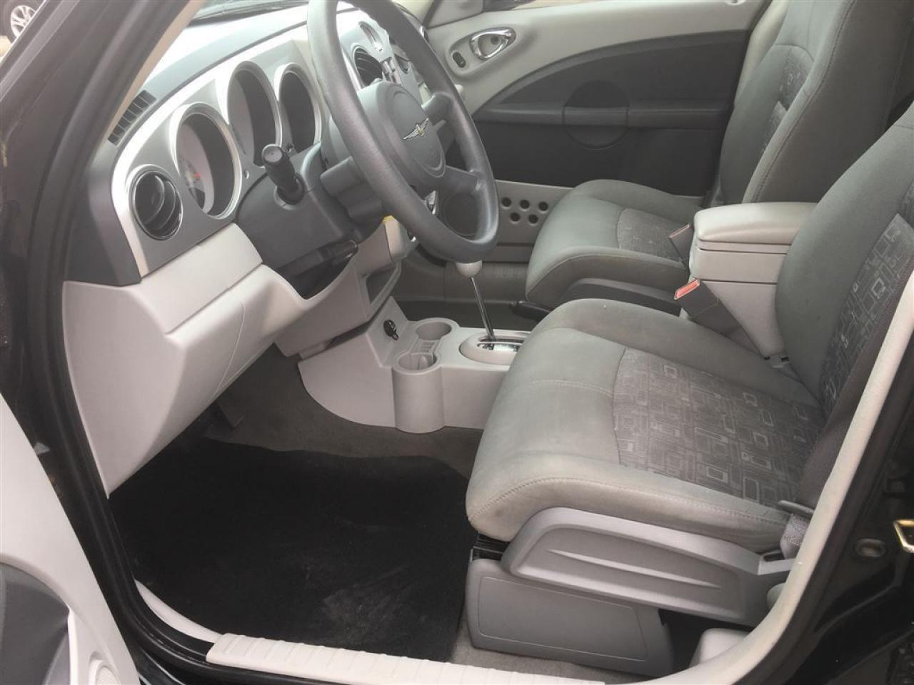 2006 Chrysler PT Cruiser Base/PRICED FOR A QUICK SALE!