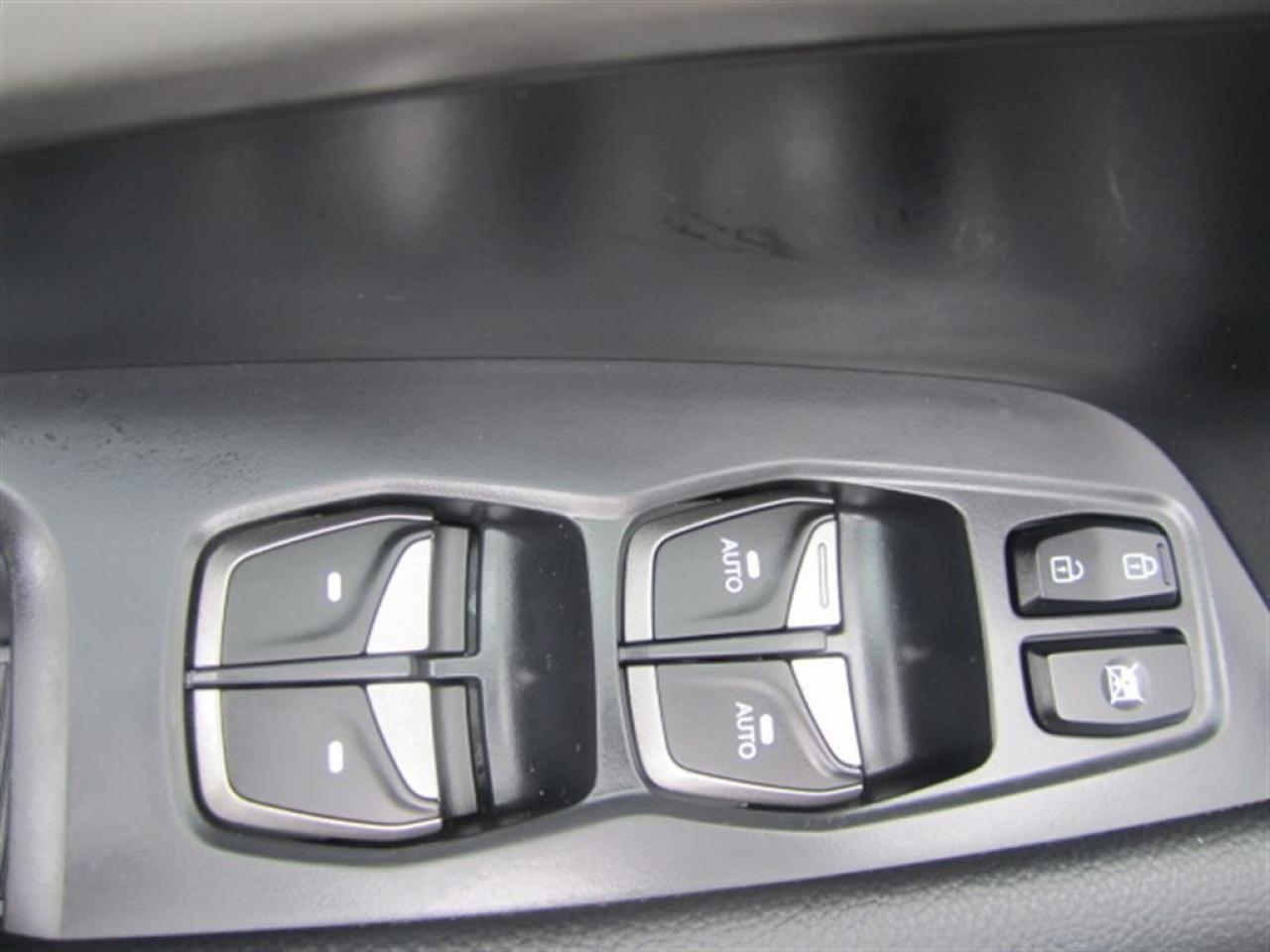 2016 Hyundai Santa Fe Sport 2.4 Luxury-Panorama roof-MINT