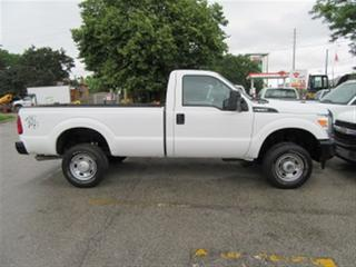 Used 2014 Ford F-350 Reg Cab 4x4 gas pickup for sale in Richmond Hill, ON