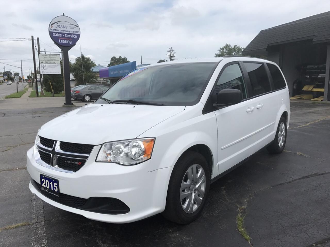 Photo of White 2015 Dodge Grand Caravan
