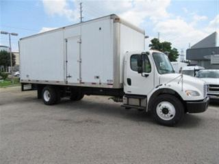 Used 2010 Freightliner M2106 cummins diesel with 24 ft alum. box for sale in Richmond Hill, ON