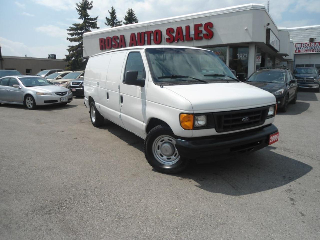Photo of White 2006 Ford Econoline
