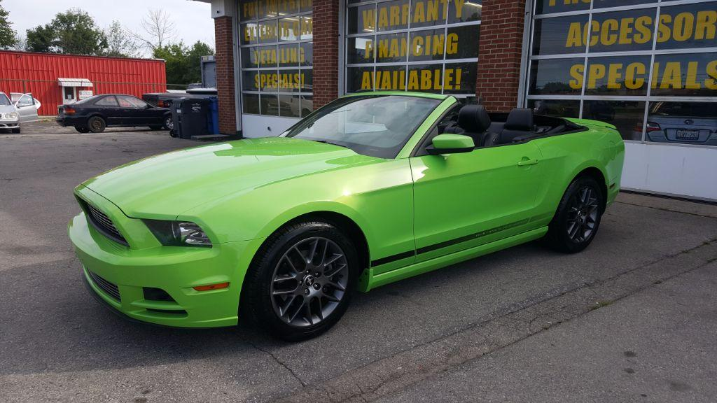 used 2014 ford mustang v6 premium special edition for sale in oakville ontario. Black Bedroom Furniture Sets. Home Design Ideas