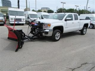 Used 2015 GMC Sierra 2500 HD Crew Cab 4x4 gas short box with western V plow for sale in Richmond Hill, ON