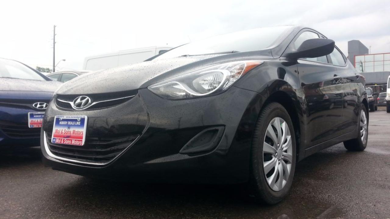 Photo of Black 2013 Hyundai Elantra