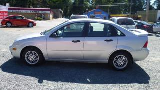 Used 2005 Ford Focus SE for sale in Parksville, BC