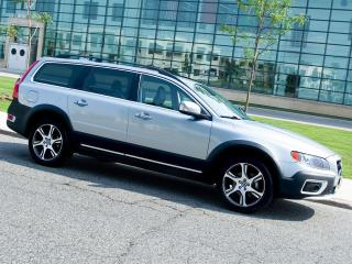 Used 2012 Volvo XC70 T6|AWD|PREMIER PLUS|SUNROOF|ALLOYS for sale in Scarborough, ON
