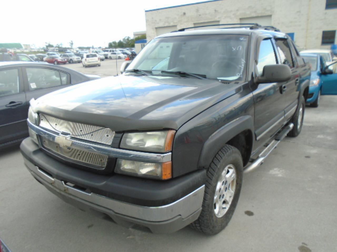 Photo of Black 2004 Chevrolet Avalanche