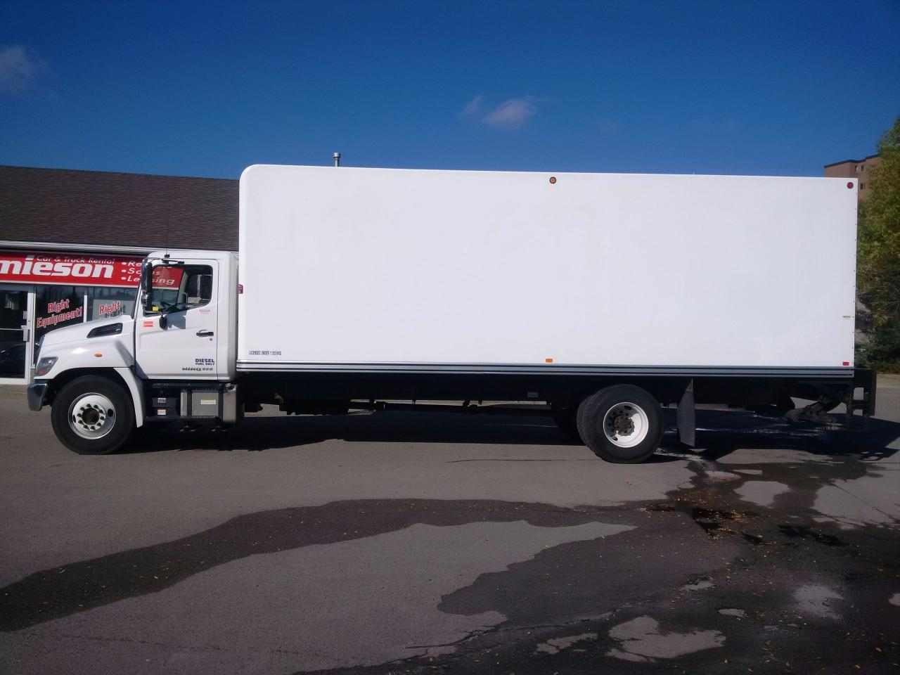 Used 2016 Hino 338 26' with lift and ramp for Sale in Kitchener, Ontario | Carpages.ca