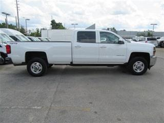 Used 2016 Chevrolet Silverado 2500HD Crew Cab 4x4 Gas long box LT loaded for sale in Richmond Hill, ON