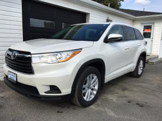 Used 2016 Toyota Highlander LE for sale in Kingston, ON