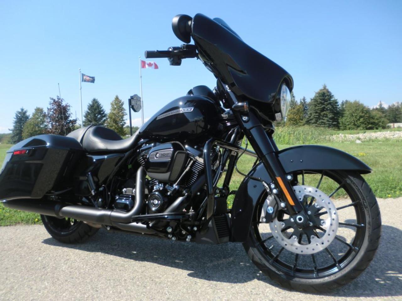 2018 Harley-Davidson Street Glide FLHXS Street Glide Special