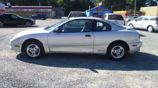 Used 2004 Pontiac Sunfire SL for sale in Parksville, BC