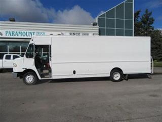 Used 2012 Freightliner MT55 cummins diesel 22 ft cargo area for sale in Richmond Hill, ON