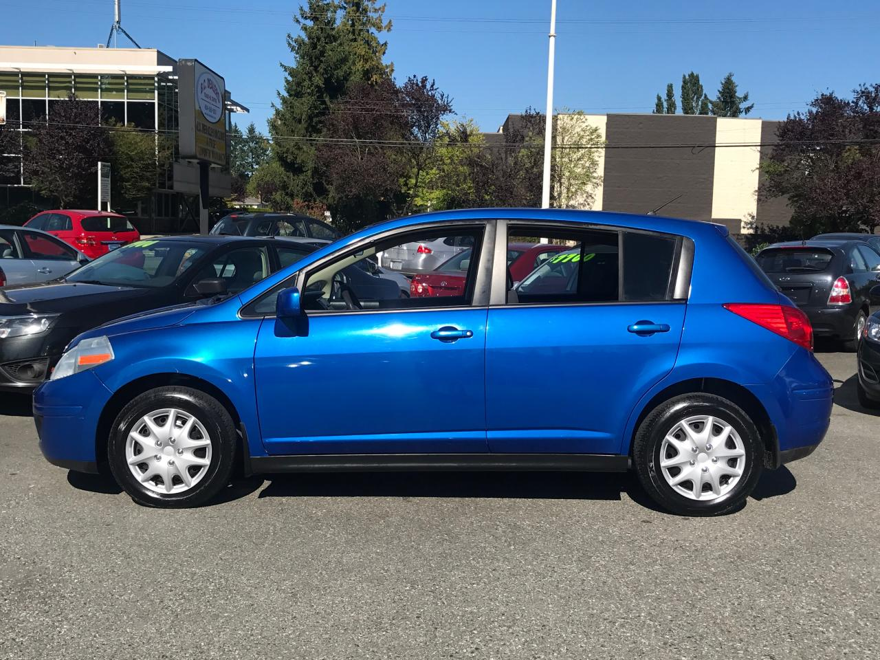 used 2008 nissan versa 1 8 s local bc car automatic rare colour clean for sale in surrey. Black Bedroom Furniture Sets. Home Design Ideas