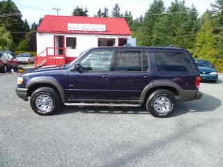 Used 2000 Ford Explorer XLS for sale in Parksville, BC